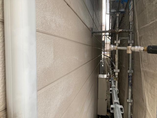 サイディング高圧洗浄中紹介 大阪市住吉区N様邸外壁塗装・屋根塗装工事   外壁・屋根塗装専門店 ペイントプロ