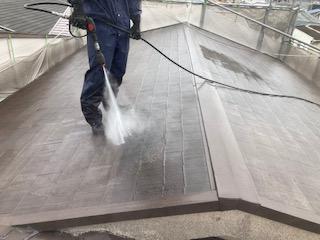 201524屋根高圧洗浄中紹介 大阪市住吉区N様邸外壁塗装・屋根塗装工事   外壁・屋根塗装専門店 ペイントプロ