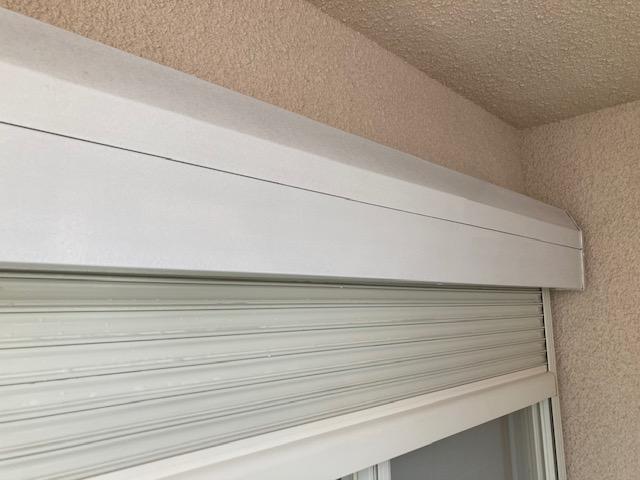 シャッターボックス錆止め塗布後 大阪市住吉区N様邸外壁塗装・屋根塗装工事   外壁・屋根塗装専門店 ペイントプロ