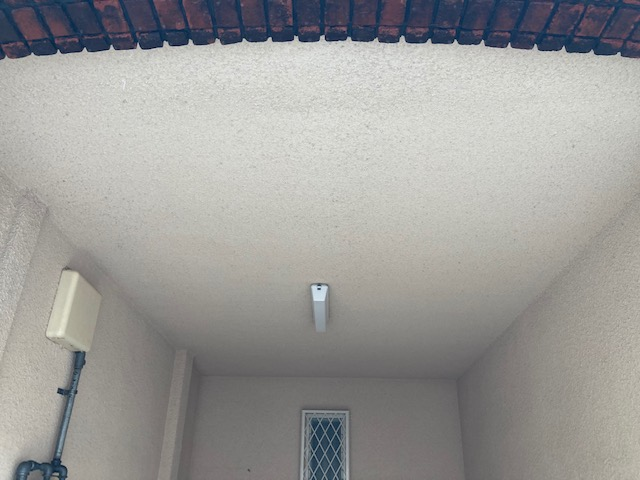 210524天井高圧洗浄前紹介 大阪市住吉区N様邸外壁塗装・屋根塗装工事   外壁・屋根塗装専門店 ペイントプロ