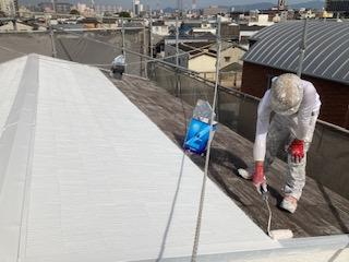 0526屋根塗装 シーラー塗布20525屋根塗装 プライマー乾燥中|大阪市住吉区N様邸外壁塗装・屋根塗装工事 | 外壁・屋根塗装専門店 ペイントプロ