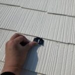 屋根塗装 タスペーサー取り付け屋根塗装上塗り2回目|大阪市住吉区N様邸外壁塗装・屋根塗装工事 | 外壁・屋根塗装専門店 ペイントプロ