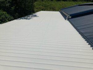 A上塗り2回目_完成|O牧場様屋根塗装工事 | 大阪市の外壁塗装・屋根塗装専門店 ペイントプロ