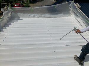 B上塗り2回目|O牧場様屋根塗装工事 | 大阪市の外壁塗装・屋根塗装専門店 ペイントプロ