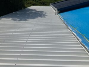 A上塗り1回目_完了|O牧場様屋根塗装工事 | 大阪市の外壁塗装・屋根塗装専門店 ペイントプロ