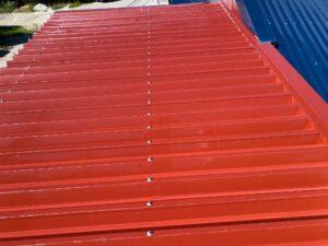 屋根高圧洗浄1|O牧場様屋根塗装工事 | 大阪市の外壁塗装・屋根塗装専門店 ペイントプロ