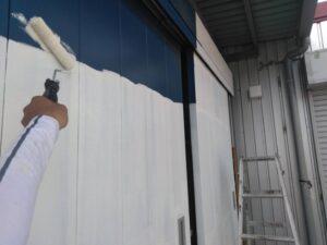 ドア_下塗り O牧場様屋根塗装工事   大阪市の外壁塗装・屋根塗装専門店 ペイントプロ