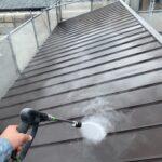 210702_高圧洗浄中2 大阪市住吉区K様邸外壁塗装・屋根塗装工事   外壁・屋根塗装専門店 ペイントプロ