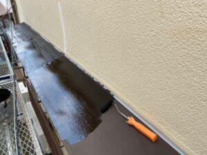 210726_庇A錆止め塗布中 K様邸外壁塗装工事   大阪市の外壁塗装専門店 ペイントプロ