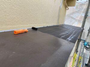 210726_庇B錆止め塗布中 K様邸外壁塗装工事   大阪市の外壁塗装専門店 ペイントプロ