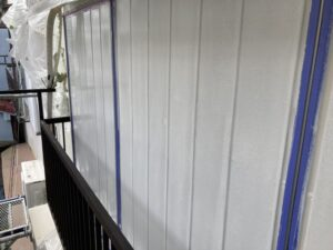 210730_雨戸下塗り完了 鉄部塗装工事 K様邸外壁塗装工事