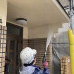 O様邸外壁塗装・屋根塗装工事 高圧洗浄中/大阪市住吉区・東住吉区の外壁・屋根塗装専門店 ペイントプロ